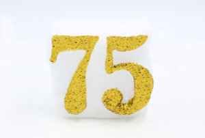 Numbered candle 75