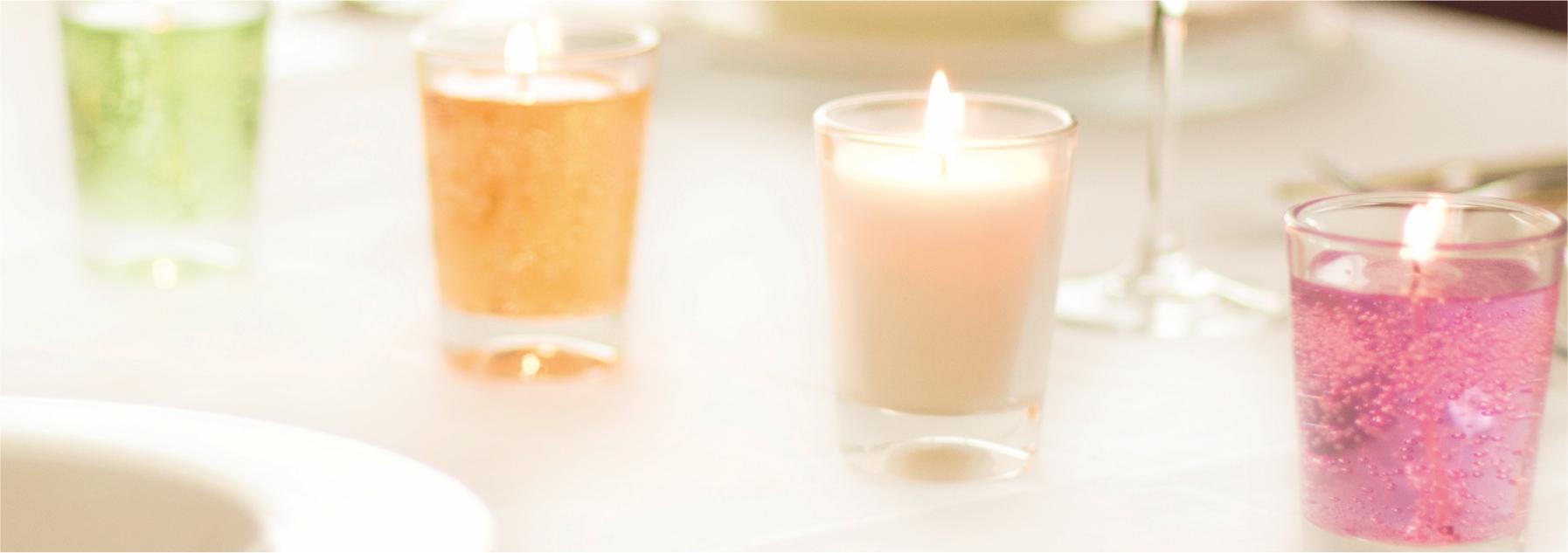 Kerzen in Gläsern